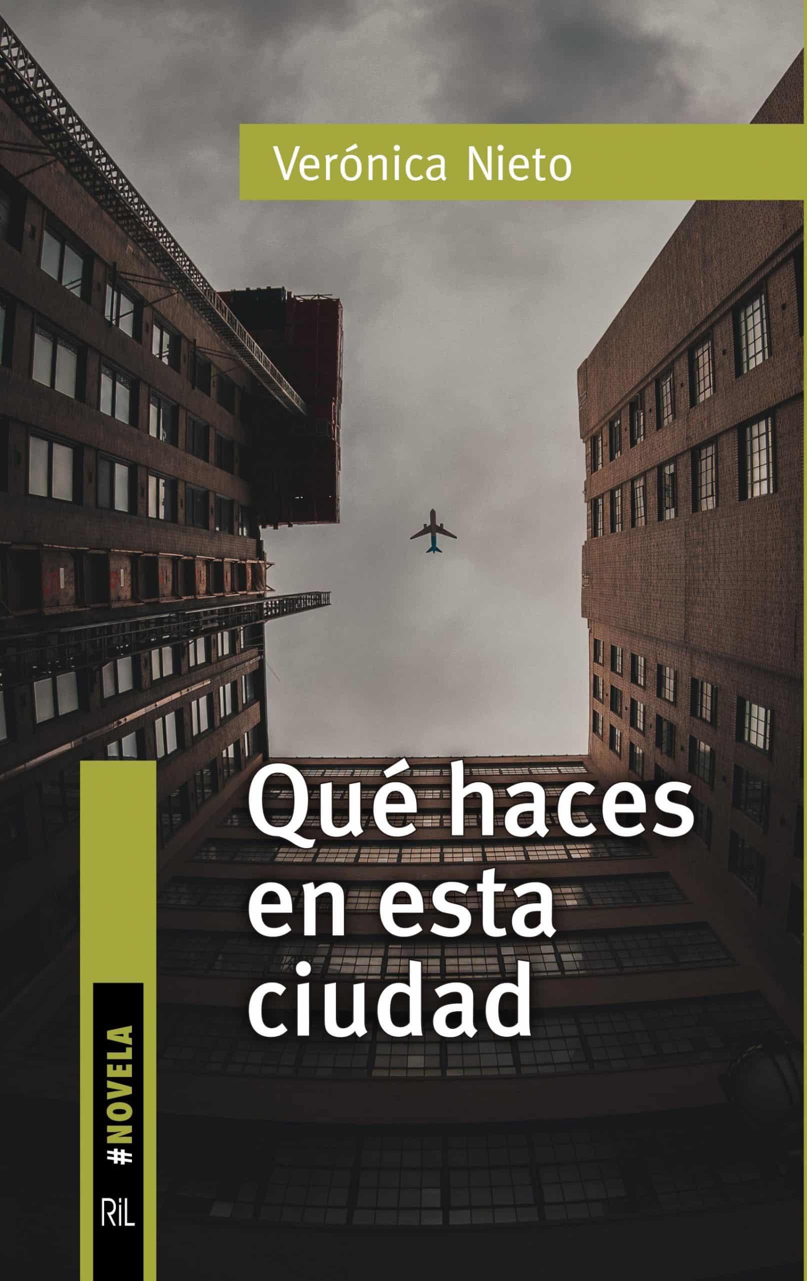 9788418065033-Nieto-Veronica-2021-Que-haces-en-esta-ciudad-1-scaled-1.jpg